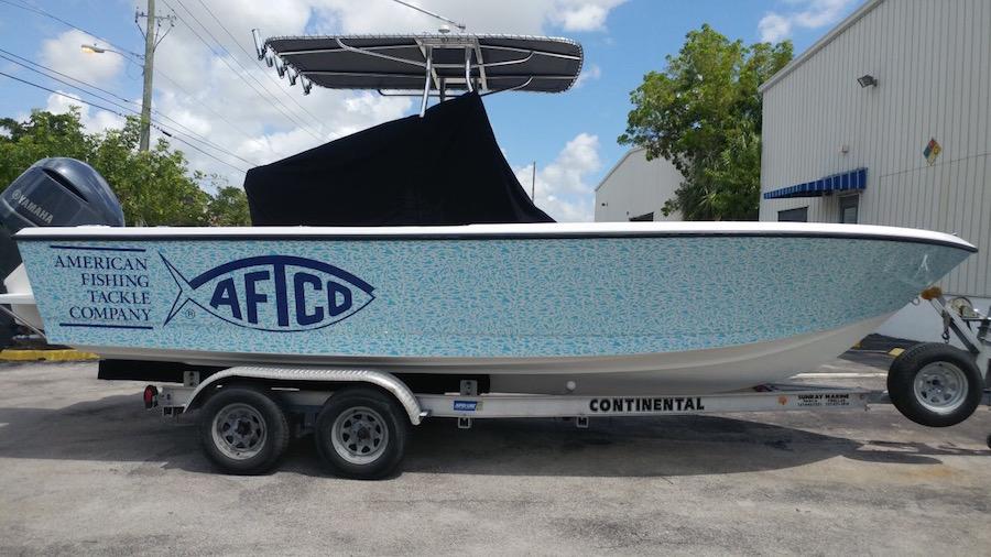 Custom Graphics Amp Vinyl Wraps Boat Wraps Florida