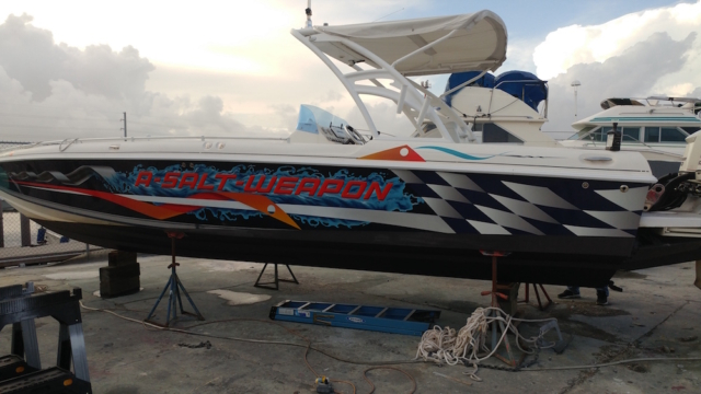 custom-boat-vinyl-wrap-florida