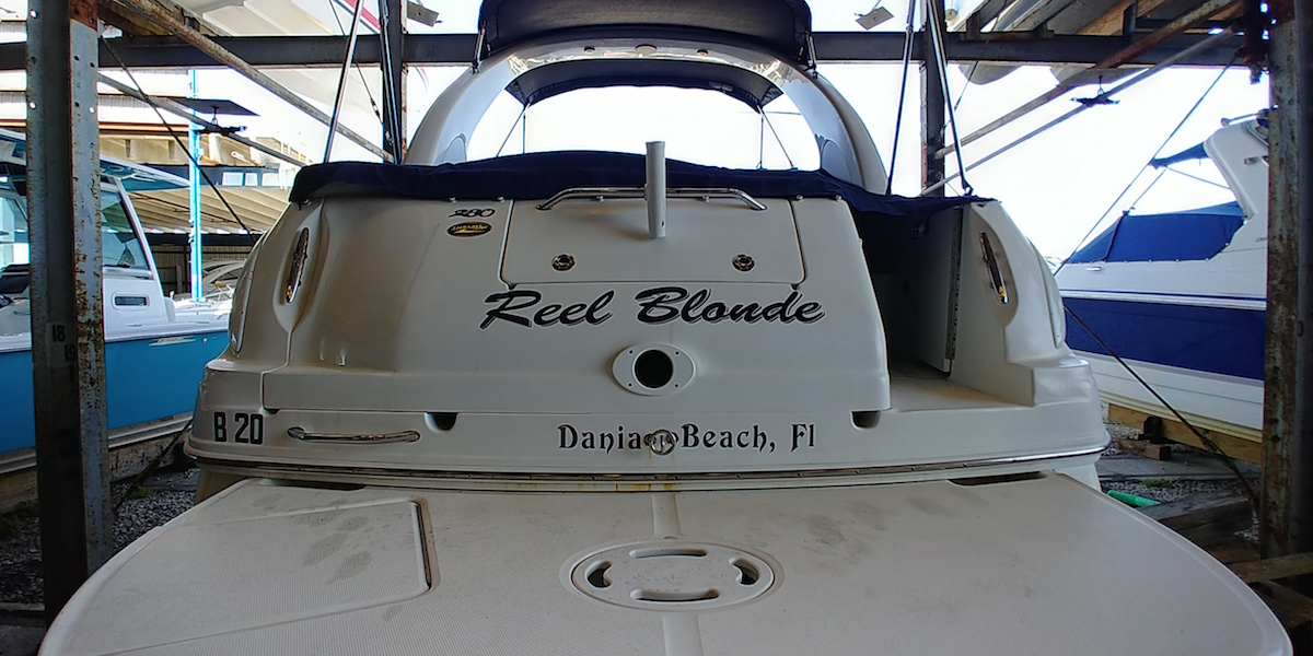 reel_blonde_boat_wrap