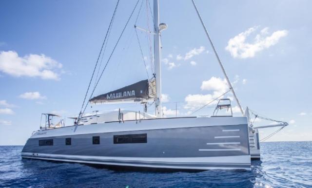 3M-silver-vinyl-boat-wrap-florida
