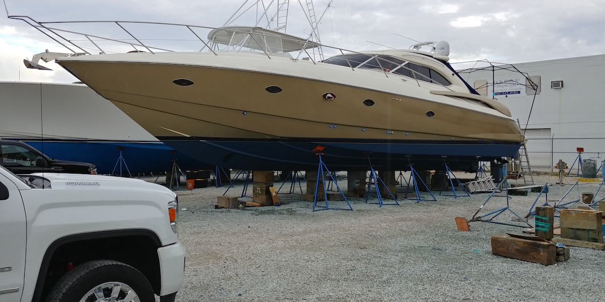 gold-boat-wrap-fort-lauderdale
