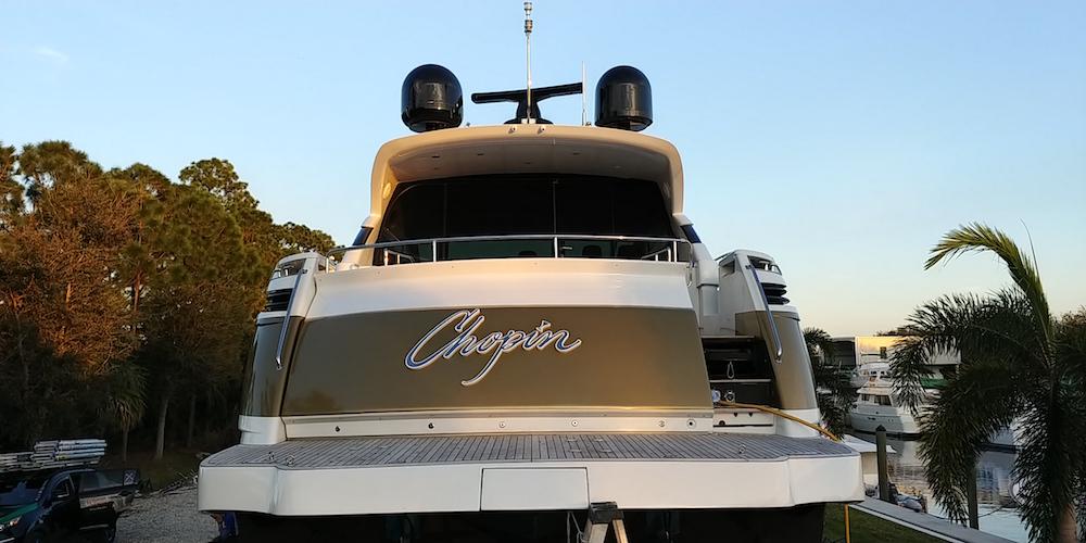 pershing-boat-wrap-fort-lauderdale