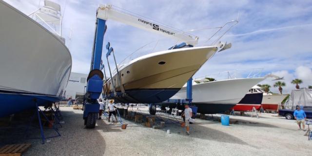 sunseeker-gold-boat-wrap-florida