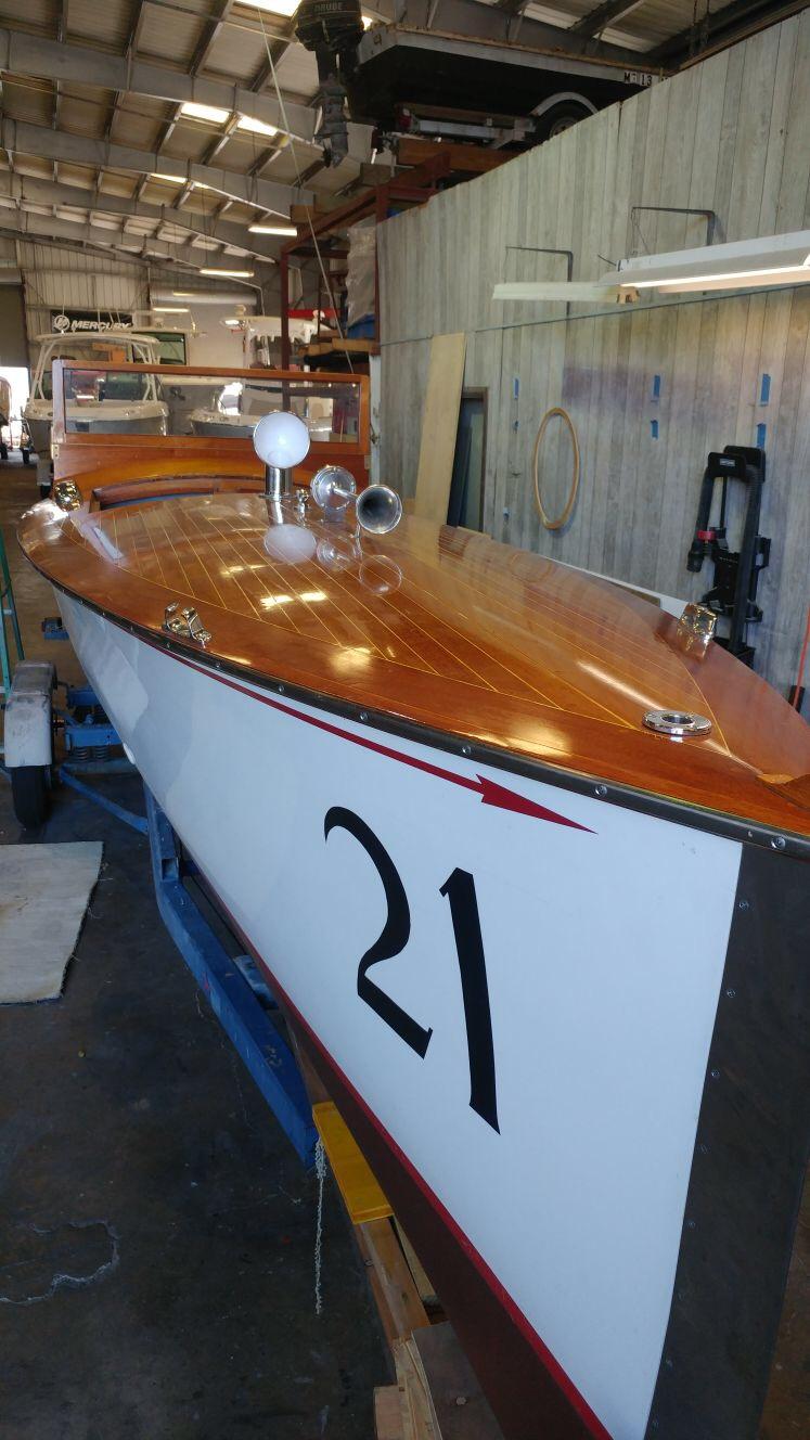 vinyl-wood-panel-boat-wrap